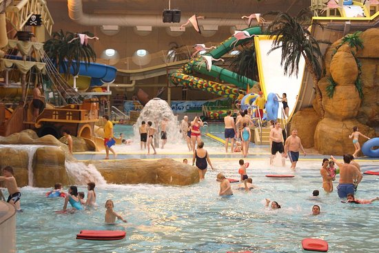 inside-sandcastle-waterpark